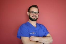 lekarz stomatolog Łukasz Szymkowski