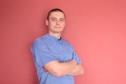 lekarz stomatolog – chirurgia  MACIEJ BŁOŃSKI